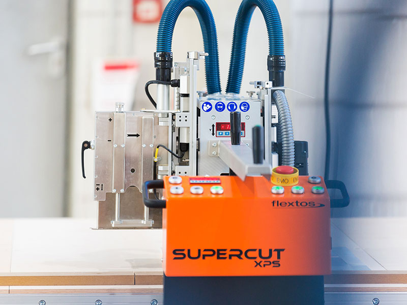 Supercut XP - Semi-Stationary, Flexible Milling and Sawing Table